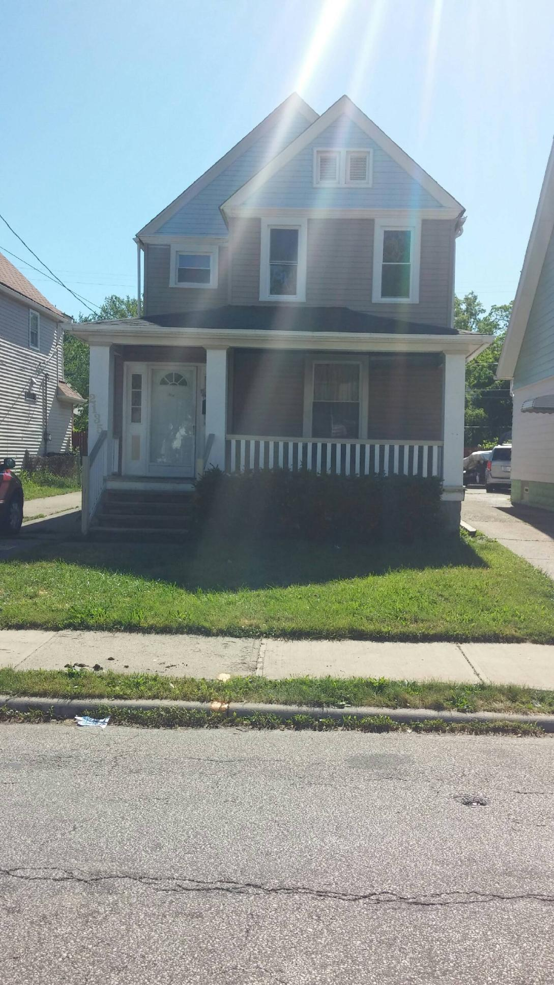 2135 W. 104th St Cleveland, OH 44102
